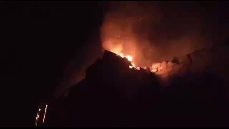Сегодня на окраине Донецка горели дома после обстрелов