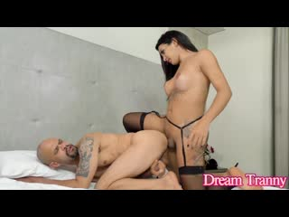 [DreamTranny] Vitoria Neves - Double Anal Creampie (11-09-2020) 720p