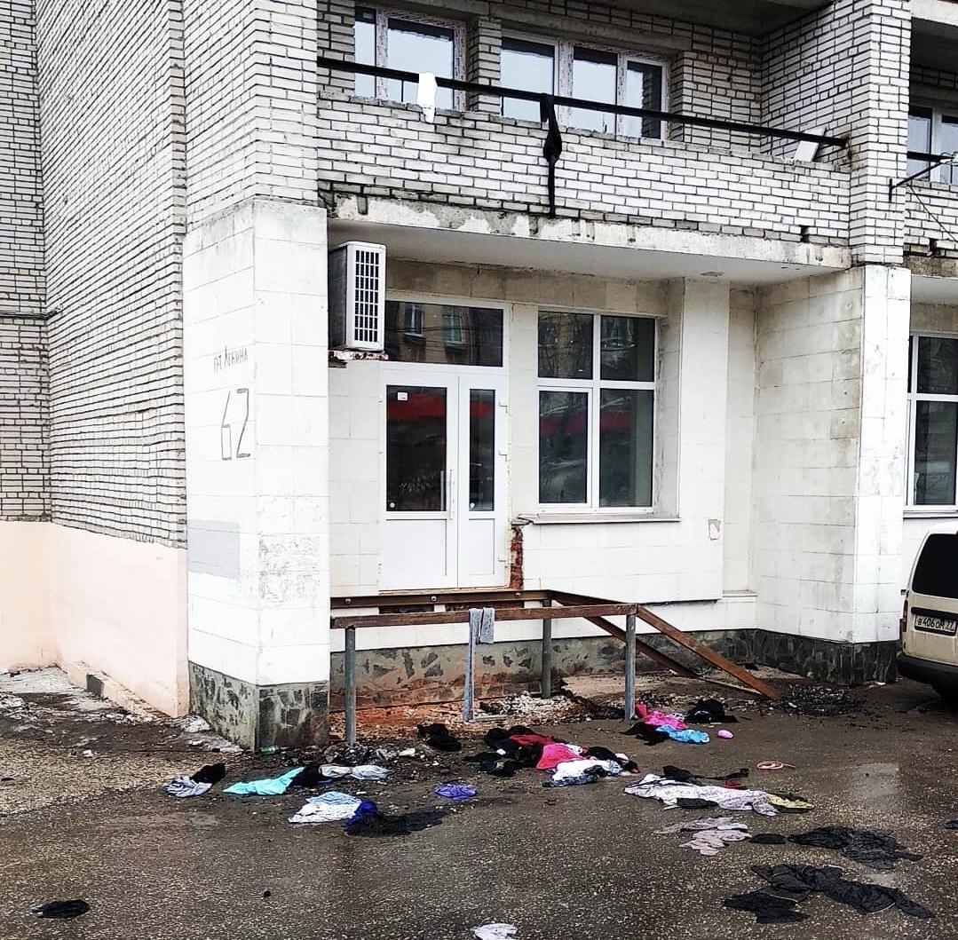 На проспекте Ленина кого-то выселяют