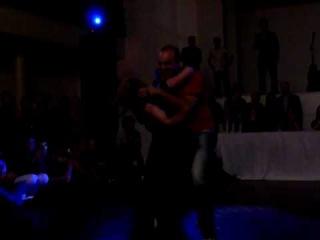 Jordan Frisbee e Tatiana Mollmann danando Zouk!!!! Baila Floripa 2010.