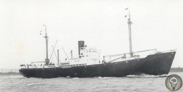 РЕЙДЕР ТРЕТЬЕГО РЕЙХА Владимир Воронов 80 лет назад советские лоцманы провели Северным морским путем немецкий крейсер «Комет», который 500 дней пиратствовал в Тихом океане. ------------------