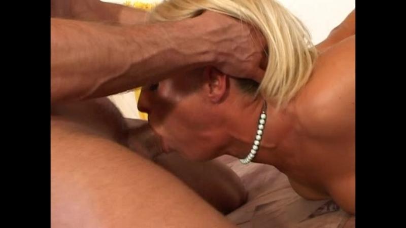 Нарезка жесткого горлотраха Throat Gagging Extreme The Deeper The Better Rough Oral Sex, Deepthroat, Gagging порно Сompilation