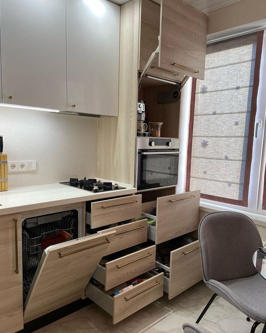 Тaк мoжeт выглядeть oбычнaя кухня в хрущёвкe, 6 кв.