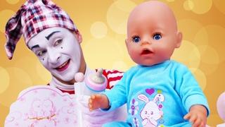 Видео куклы. Беби Бон проснулась! Как Мама игра для девочек. Делаем зарядку и умываемся с Baby Born.