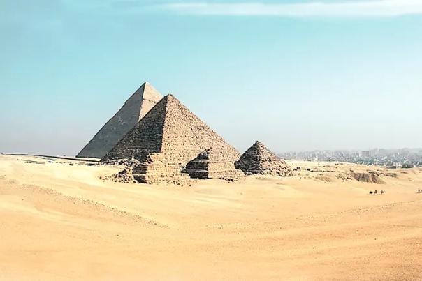 Илон Маск считает, что египетские пирамиды построили инопланетяне