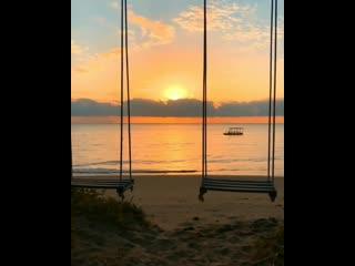 Удивительно, что может сделать один луч солнца с душой человека... - Ф. М. Достоевский