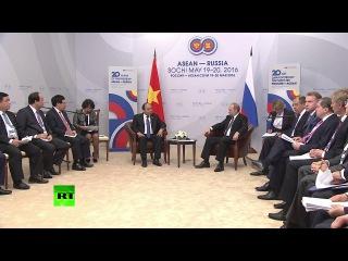 Двусторонняя встреча Владимира Путина и премьер-министра Вьетнама #Путин #Вьетнам