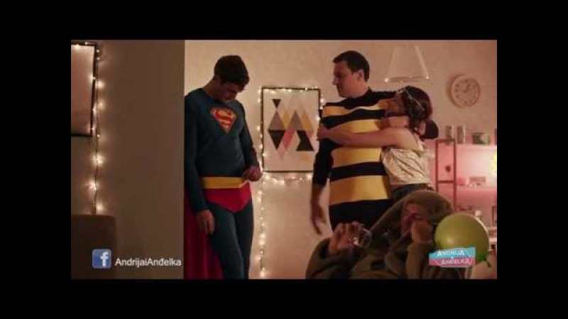 Andrija i Andjelka Supermen sisa u vaterpolo gacama