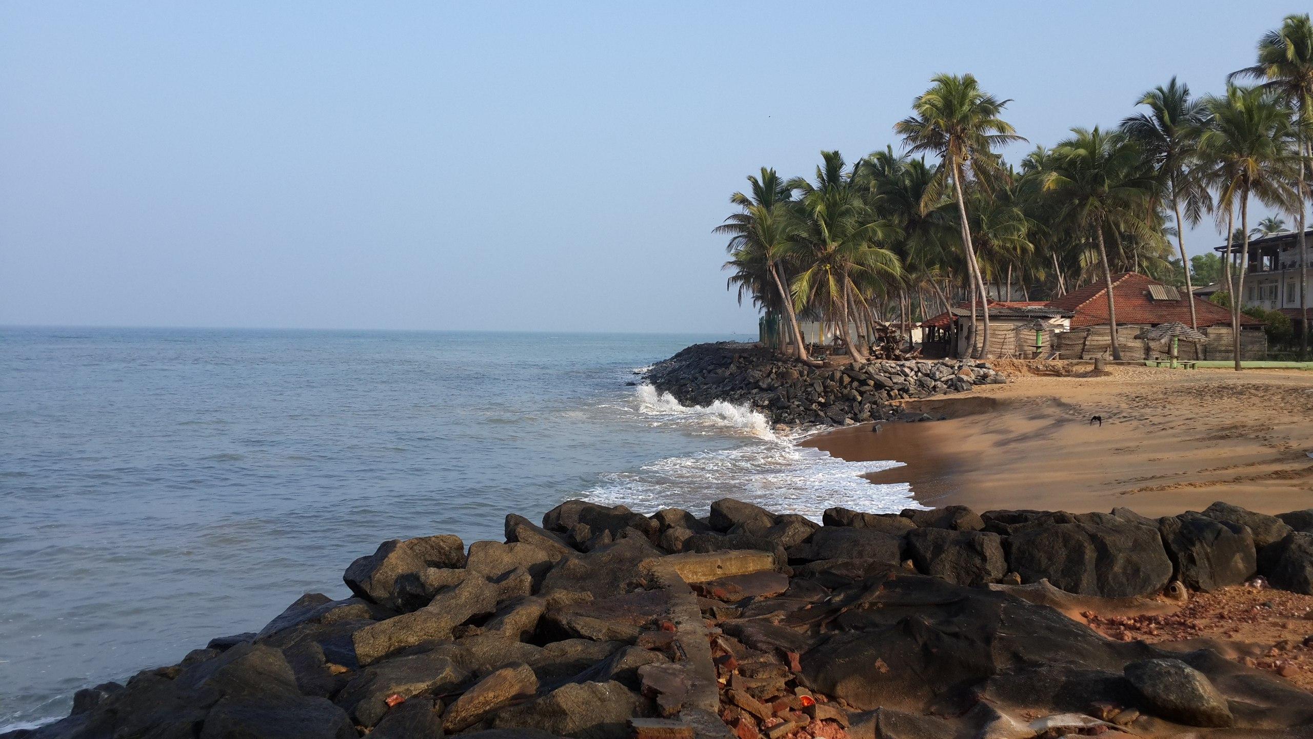 Наш пляж возле отеля. Шри-Ланка, ноябрь 2016