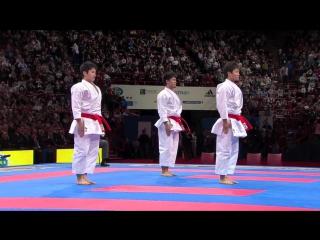 Потрясающая синхронность в выполнении ката группа. не кёкушин, но это супер и это стоит видеть !! karate japan kata team