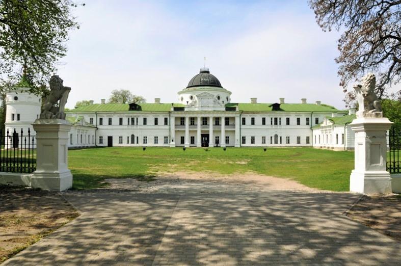 6 самых красивых замков, дворцов и крепостей Украины