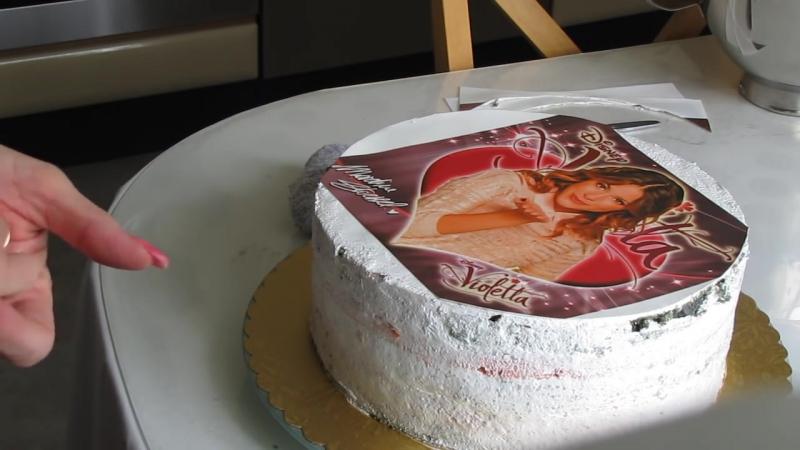 называют сахарную картинку как укладывают на торт вместе детьми любимое