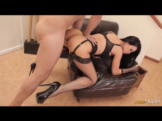 порно оргазм в белье на вебку