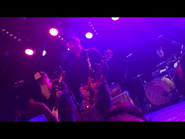 Eagles Of Death Metal W/Josh Homme - Don't Speak (live)