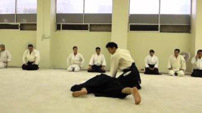 Waka Sensei (Mitsuteru Ueshiba) Ai hanmi katate dori Ikkyo