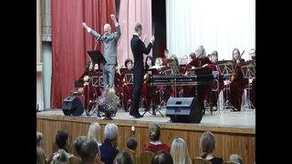 Путешествие в сказку подарили асбестовским слушателям городской концертный зал .