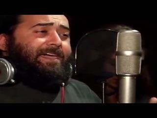 Отец Серафим исполняет песнопение на арамейском языке