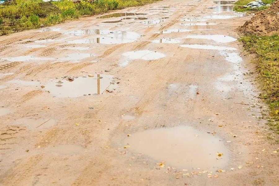 Жители Борисовского района пожаловались на дороги в ходе прямой телефонной линии Миноблисполкома