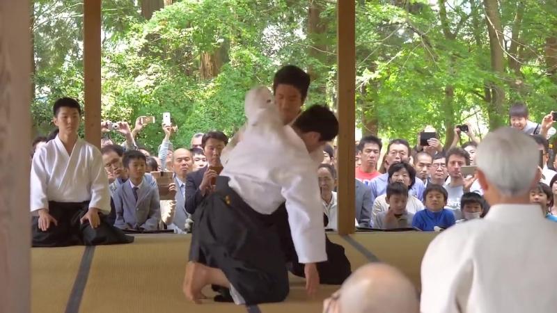 Mitsuteru Ueshiba Waka Sensei - Aiki Jinja Taisai 2018, хочувиваму