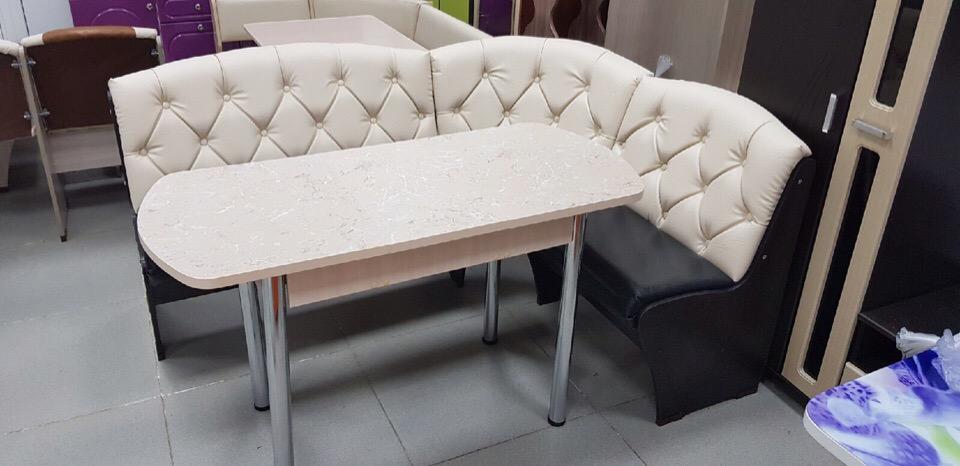 Диваны, кровати, столы, стулья.
