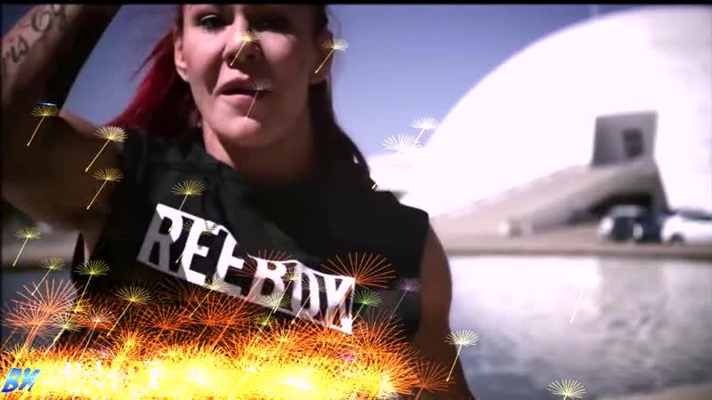 Кристиана Сайборг от Пахи Черепахи и группы MMA 365