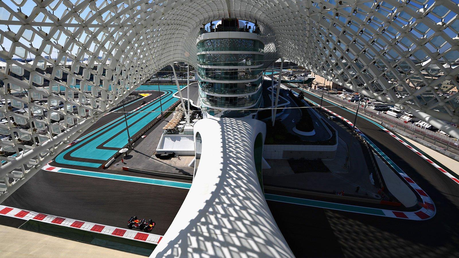 Автодром Яс-Марина в Абу-Даби
