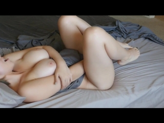 Masutbating on my bed in the morning (natural girls porn)