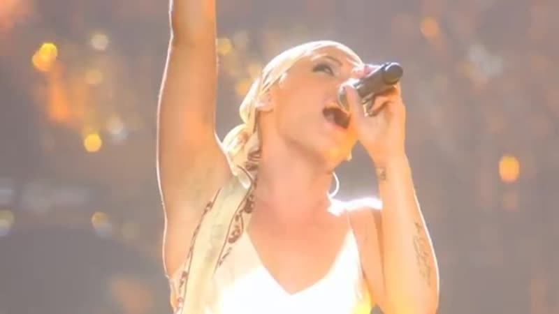 P!nk - What's Up (by 4 Non Blondes, from Live from Wembley Arena, London, England)