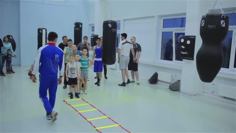Открытая тренировка по боксу для детей и взрослых. Разминка кардио отработка техники