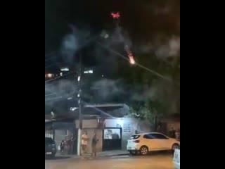 Фейк: Португалец обстреливает соседей фейерверками с дрона из-за слишком громкой музыки