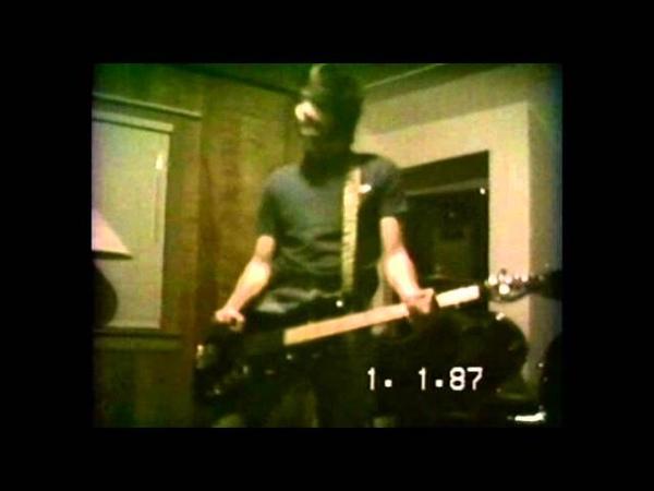 Nirvana - (Rehearsal) Krist Novoselic's mother's house, Aberdeen 1988