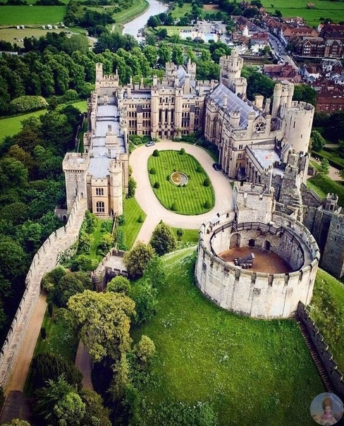 Замок Арундел, Англия