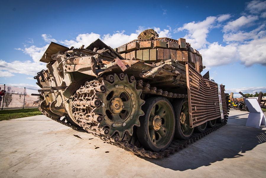 Трофеи из «песочницы»Репортаж c выставки вооружений сирийских боевиков, изображение №26