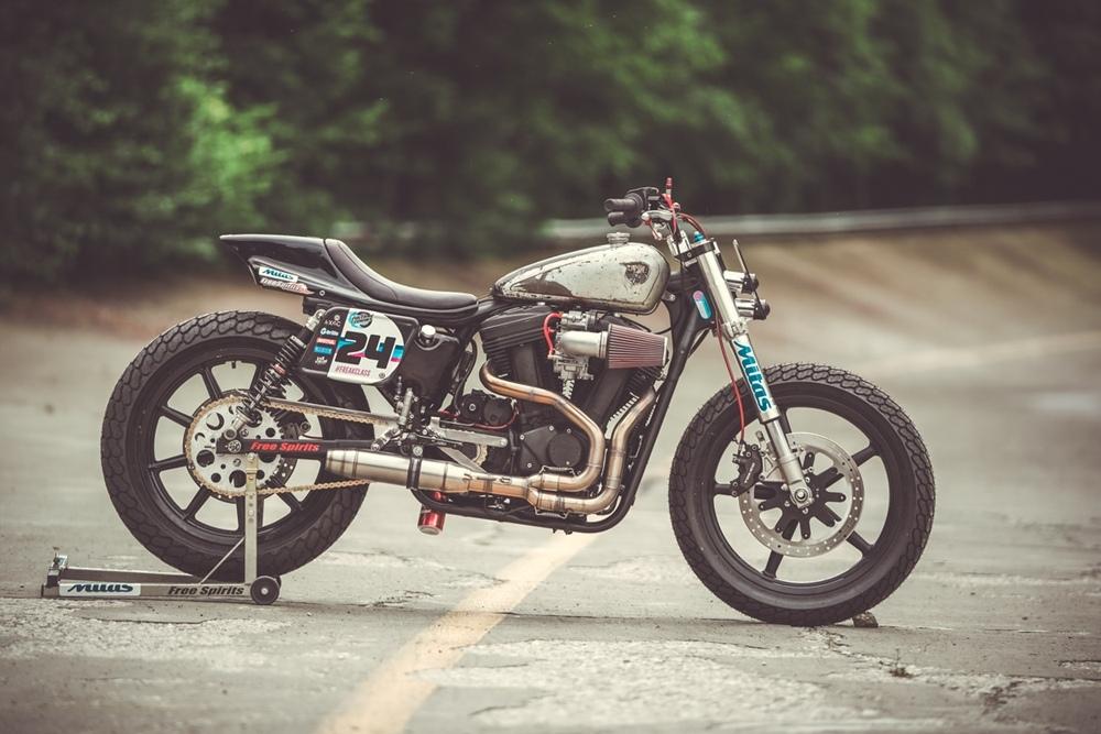 Rivertown Custom Cycles: трекер H-D Sportster Buell