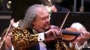 Czardas door het Gelders Orkest Roby Lakatos en Dimiter Tchernookov concertmeester