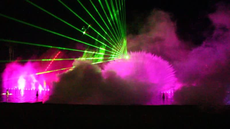 Кипр. Лазерное шоу фонтанов 4
