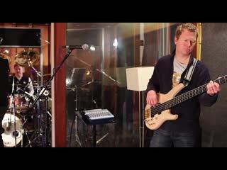 Frost٭ - hyperventilate ⁄ black light machine - live in rockfield studios 2013