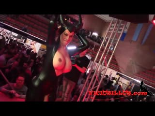 Lludy in live sex show( web_all)