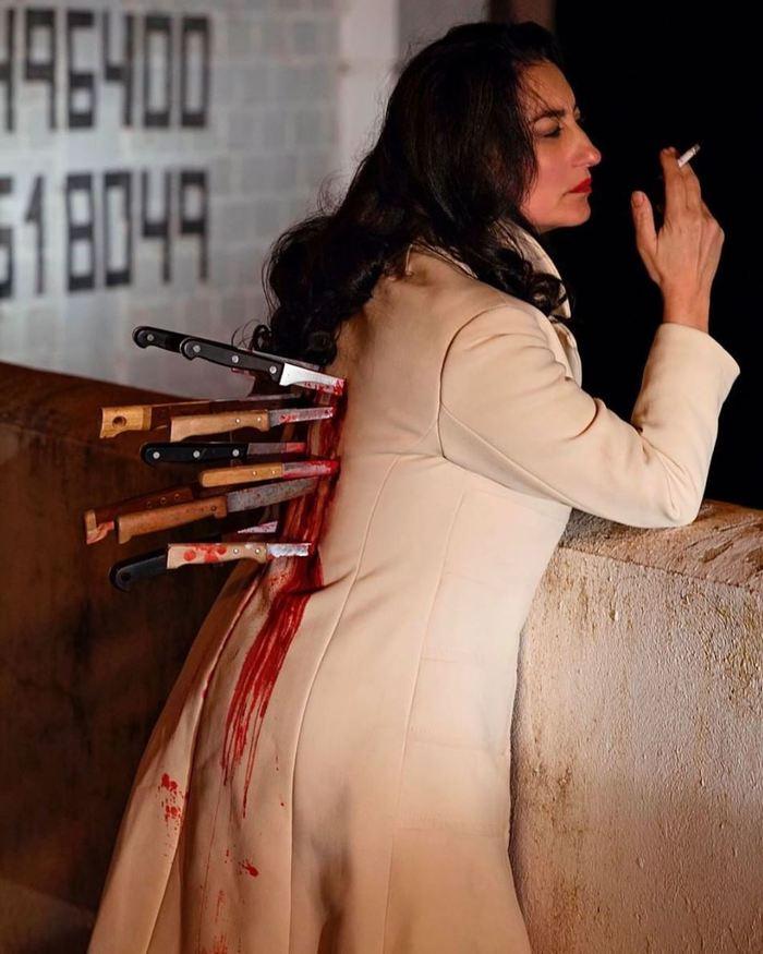 фото спины с ножами семь болтов две