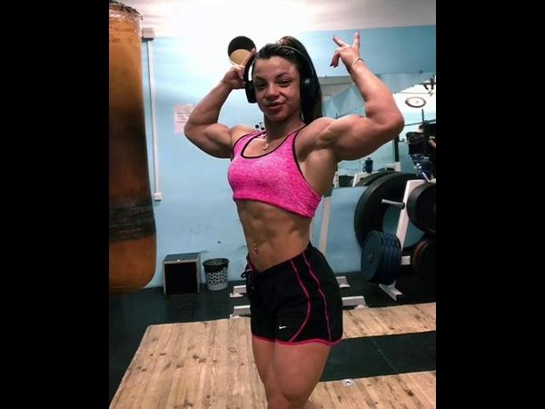 FBB Anastasia Leonova Flexing