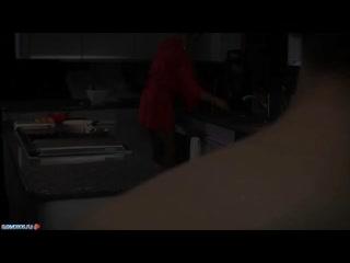 Rachel steele трахается со своим сынком на кухне после завтрака