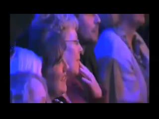 минута славы!!!бабуля поет под Trance