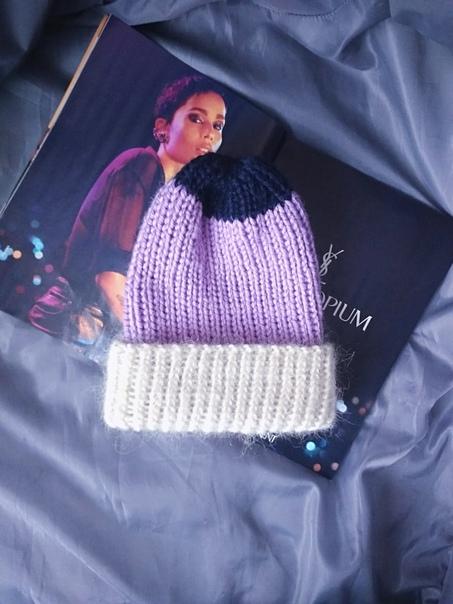 На фото работы моей племяши) Одна из самых простых шапок - шапка бини)) она вяжется быстро и простоК тому же сейчас так