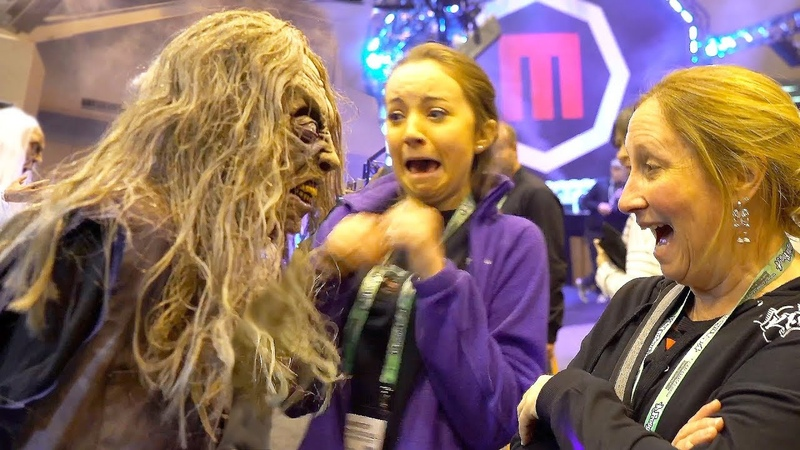 SCARE PRANKS at HALLOWEEN SHOW | 😱FUNNY SCARY! 😂