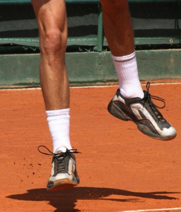 Синовиальная жидкость находится в лодыжках и пальцах ног.