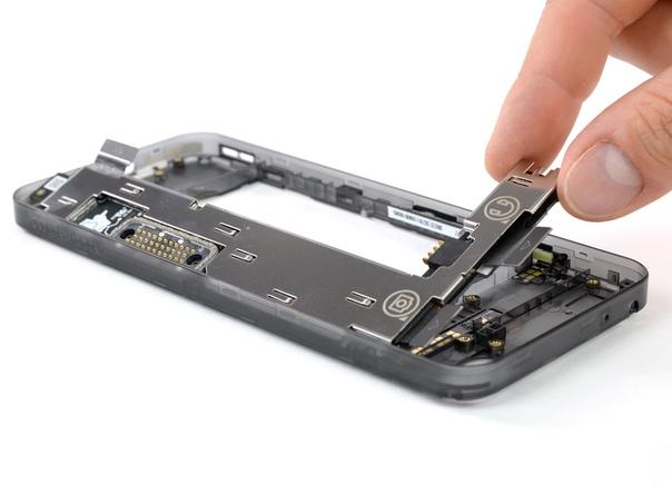 Модульный смартфон Fairphone 3 получил от iFixit