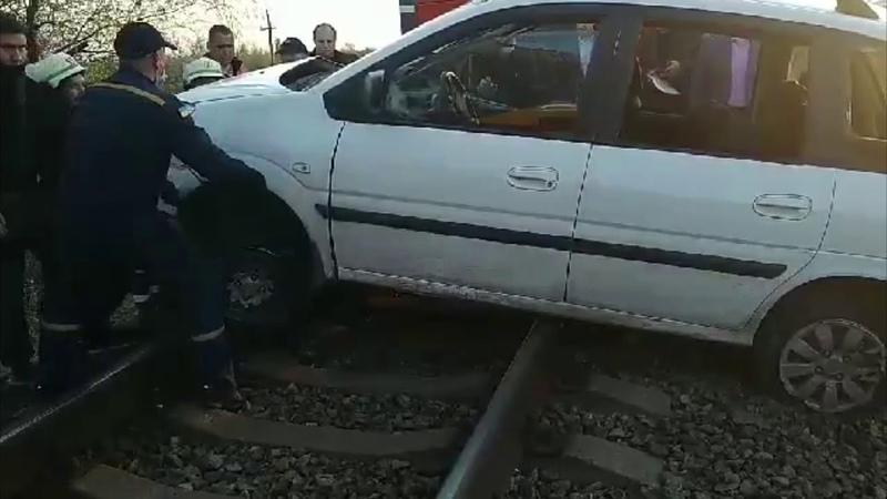 Петриківський район рятувальники ліквідували наслідки ДТП на залізничному переїзді
