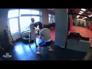 Лучшая отработка нырков, уклонов и ударов в боксе