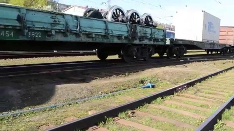 ГЖД 2ТЭ10В-4381 со сборным поездом, ст. Киров