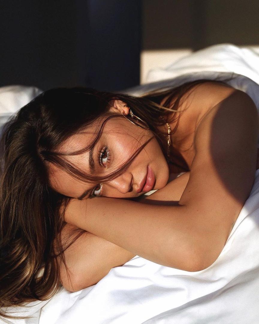 фото из альбома Alexis Ren №8